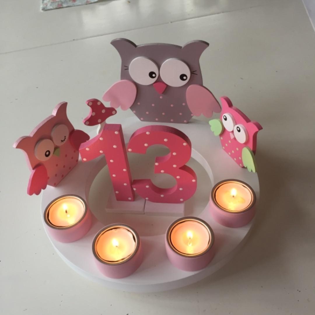 Geburtstags-Kerzenkranz mit Eulenfamilie und Geburtstagszahl 4