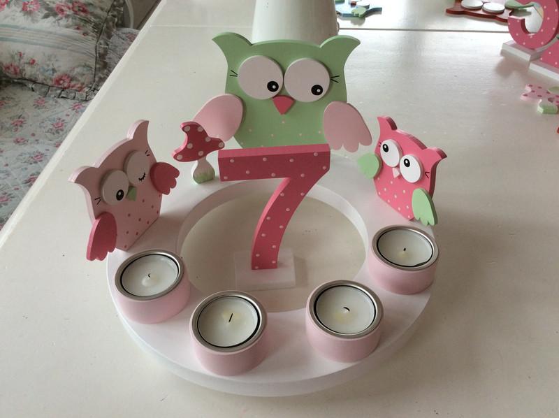 Geburtstags-Kerzenkranz mit Eulenfamilie und Geburtstagszahl 2