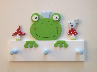 Frosch-Garderobe für kleine Prinzen