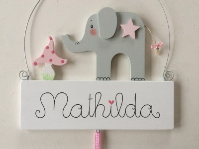 Namensschild für Mädchen mit süßem Elefant