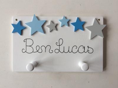 Kindergarderobe mit Sternen und Name
