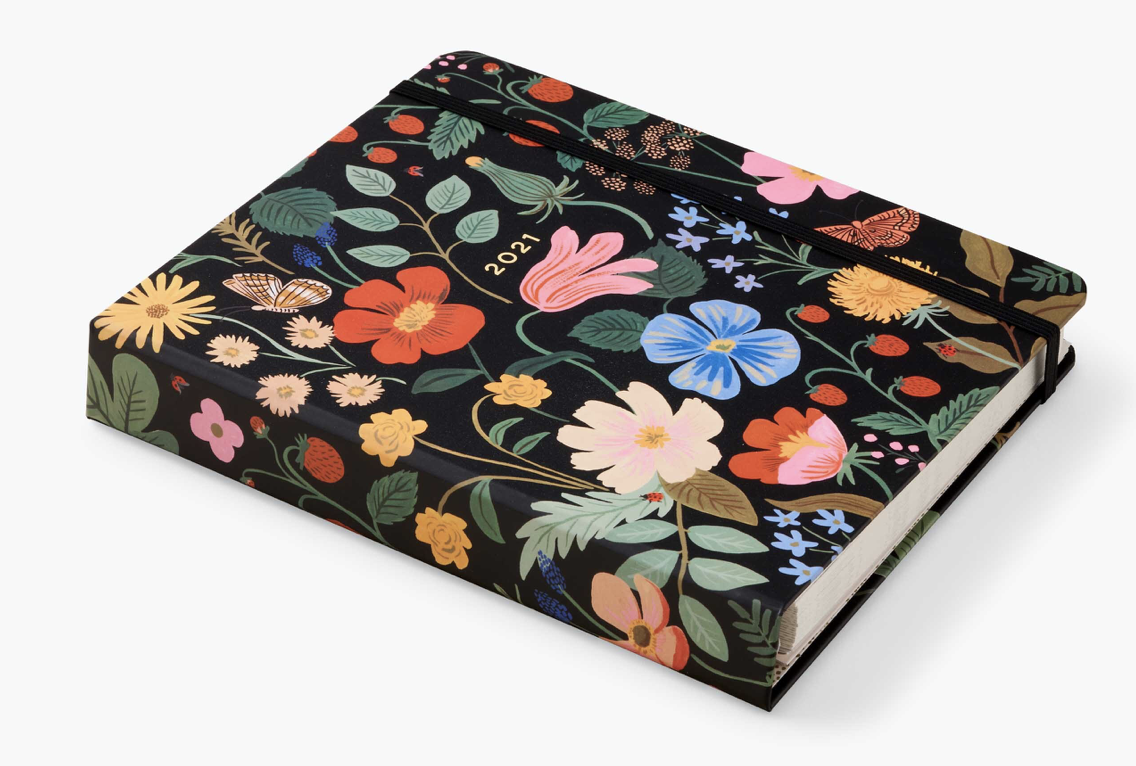 2021 Strawberry Covered Planner 8