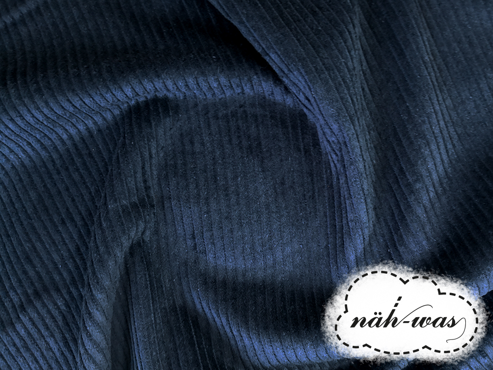 Breitcord Cord dunkles Jeansblau