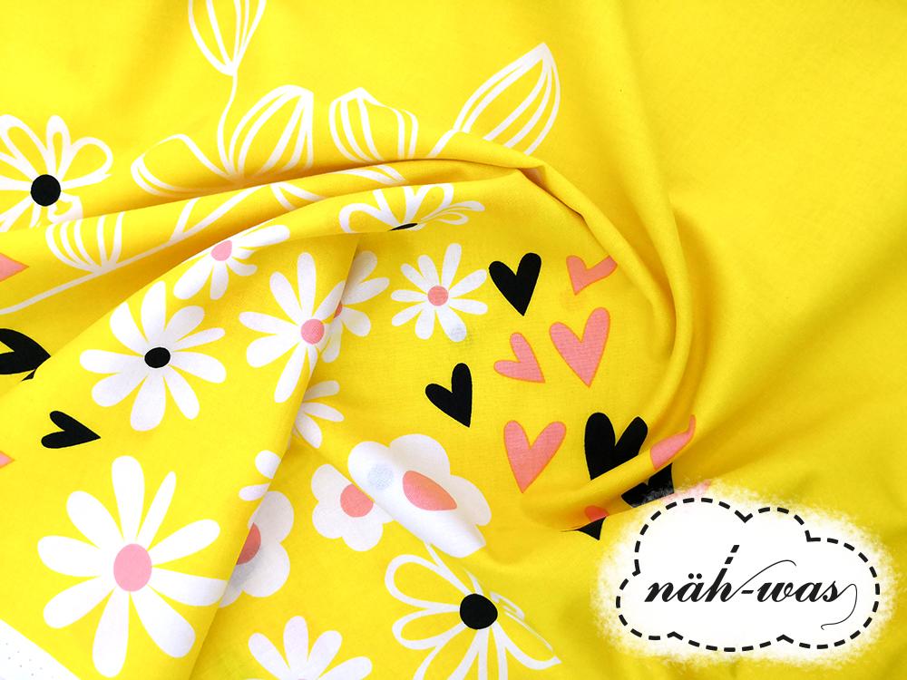 Camelot Fabrics 90cm Panel Bee