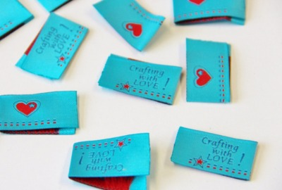 Label crafting with LOVE blau