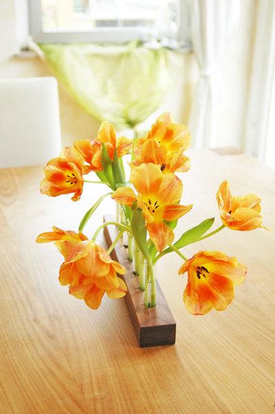 Blumenvase in Nuss 10