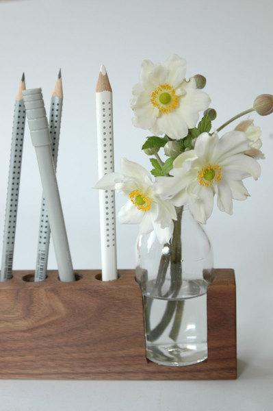 4 Stifthalter mit Blumenvase 2