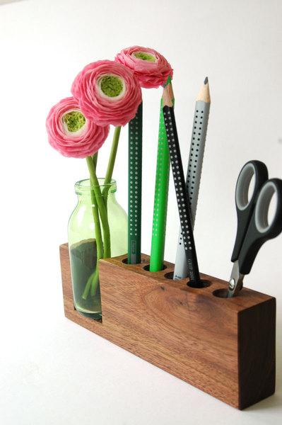 4 Stifthalter mit Blumenvase 3