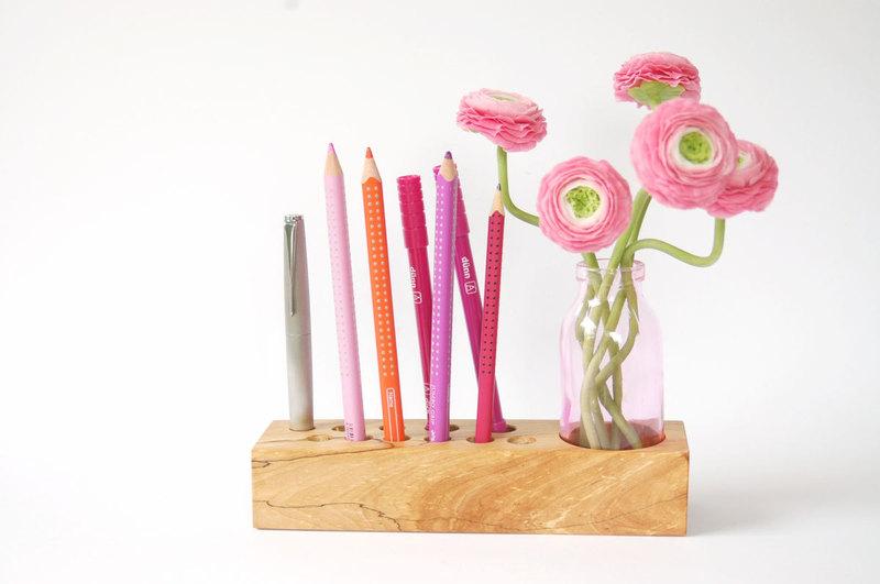10 Stifthalter mit Blumenvase - 1