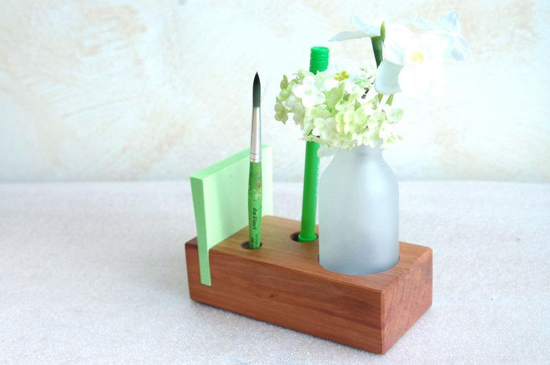 3 Stifthalter mit Vase Zettelhalter in Kirsche