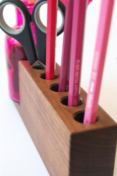 4 Stifthalter mit pinker Blumenvase 2