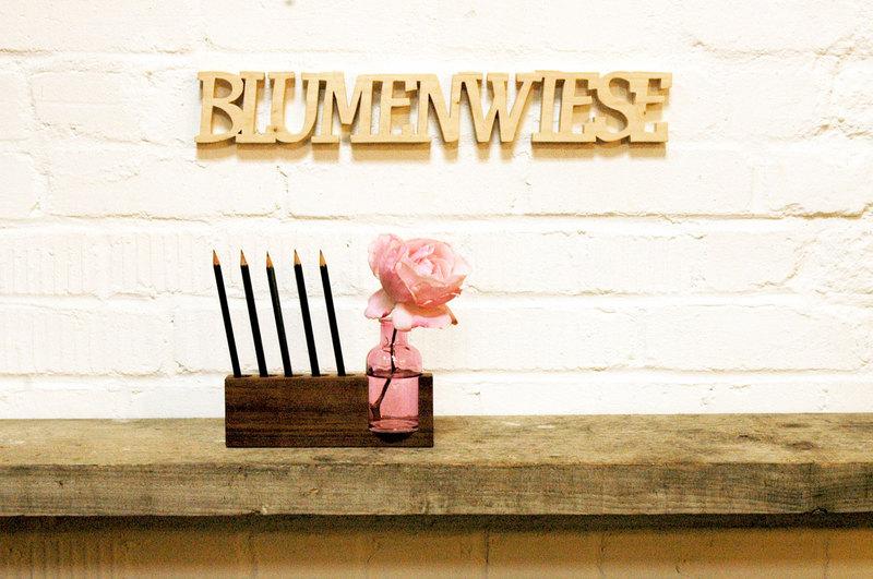 4 Stifthalter mit rosa Blumenvase 4