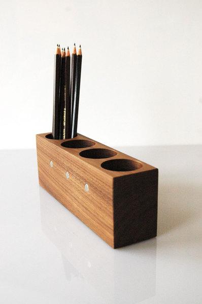 8 Stifthalter mit magnetischem Zettelhalter 3
