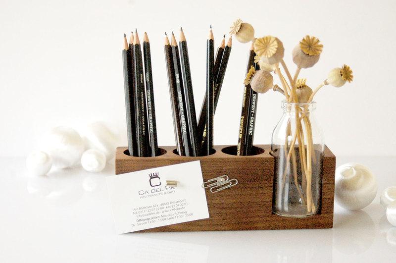Stifthalter mit magnetischem Zettelhalter