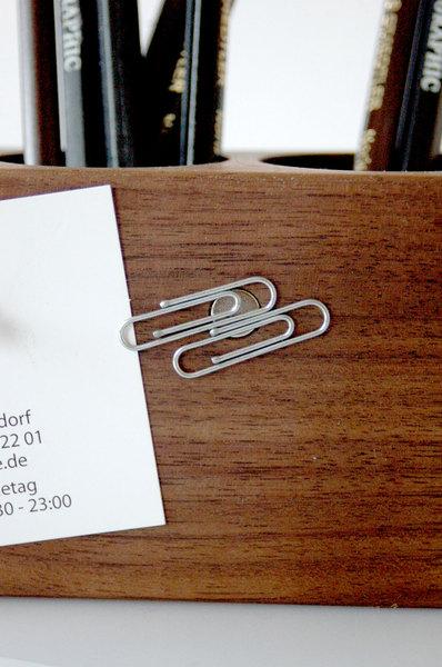 Stifthalter mit magnetischem Zettelhalter 4