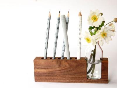 4 Stifthalter mit Blumenvase