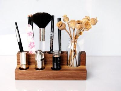 Kosmetikständer mit Blumenvase, Nuss, Aufbewahrung