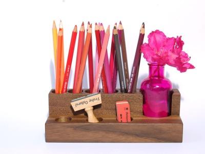 Stifthalter Kosmetikstaender mit Vase in Nuss