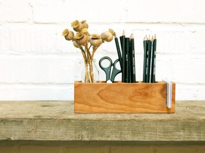 Stifthalter mit Vase und ZettelhalterAufbewahrung