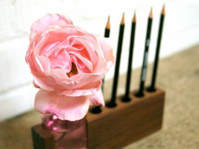 4 Stifthalter mit rosa Blumenvase