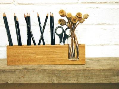 5 Stifthalter mit Blumenvase