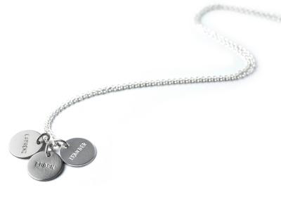 FamilyCharm - Anhaenger und Kette CLASSIC TRIO - Individuelle Halskette mit 2 oder 3 handgestempelten Plaketten 925er Silber