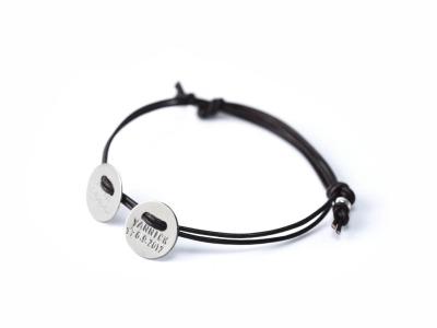 Family Charm Button Deluxe - Namens-, Geburts-, Spruchband - Indivdualisierbares Armband, 925er Silber, mit handgestempeltem Text, Daten und Symbolen