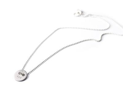 BUTTON Individualisierte Halskette mit handgestempeltem Namen
