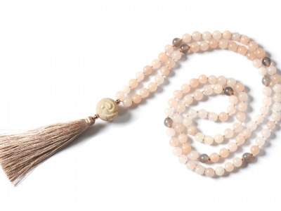 FAITHFUL MALA Perlen-Mala peachfarbene Jade Rauchquarz