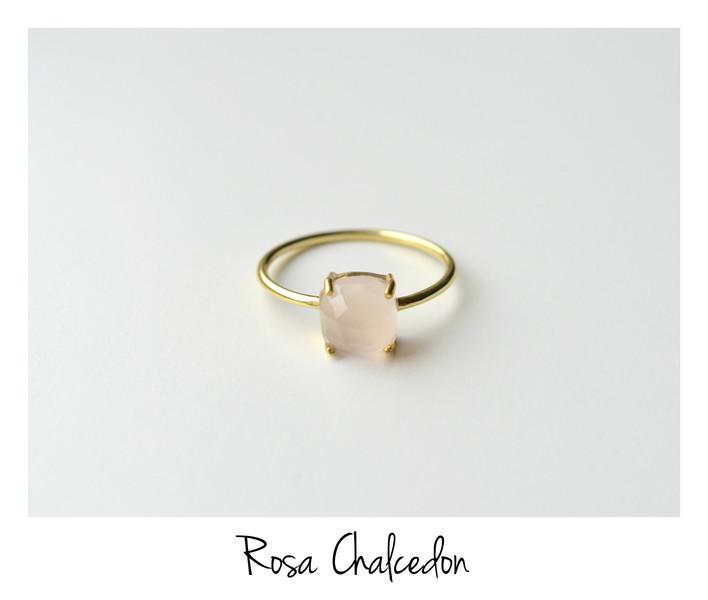 Feminin Rosa Chalcedon Ring vergoldet