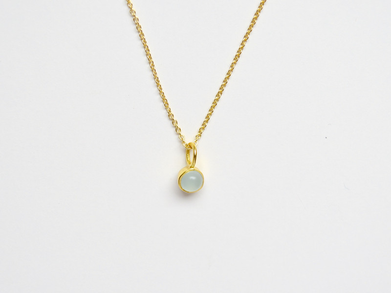 So zart Tiny Aqua Chalcedon Kette vergoldet 925