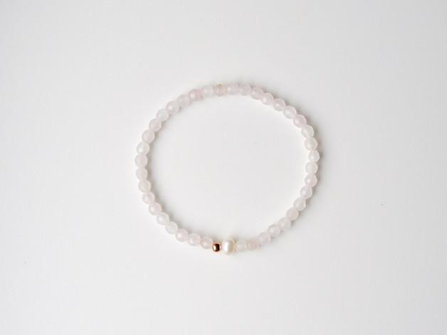 Zart Rosenquarz Perlen Armband vergoldet