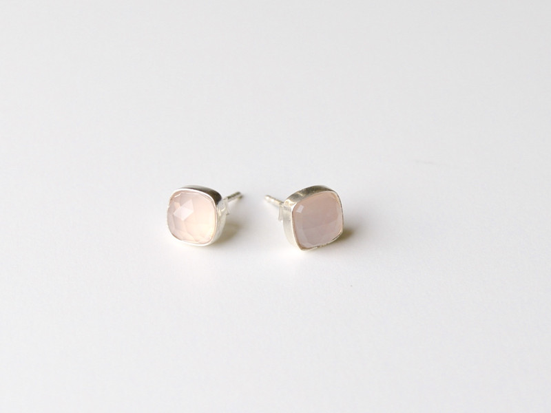 New in Rosa Chalcedon Ohrstecker