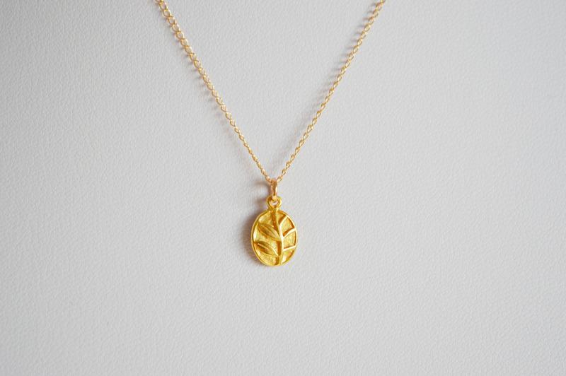 So zart Kette Oval Flower vergoldet