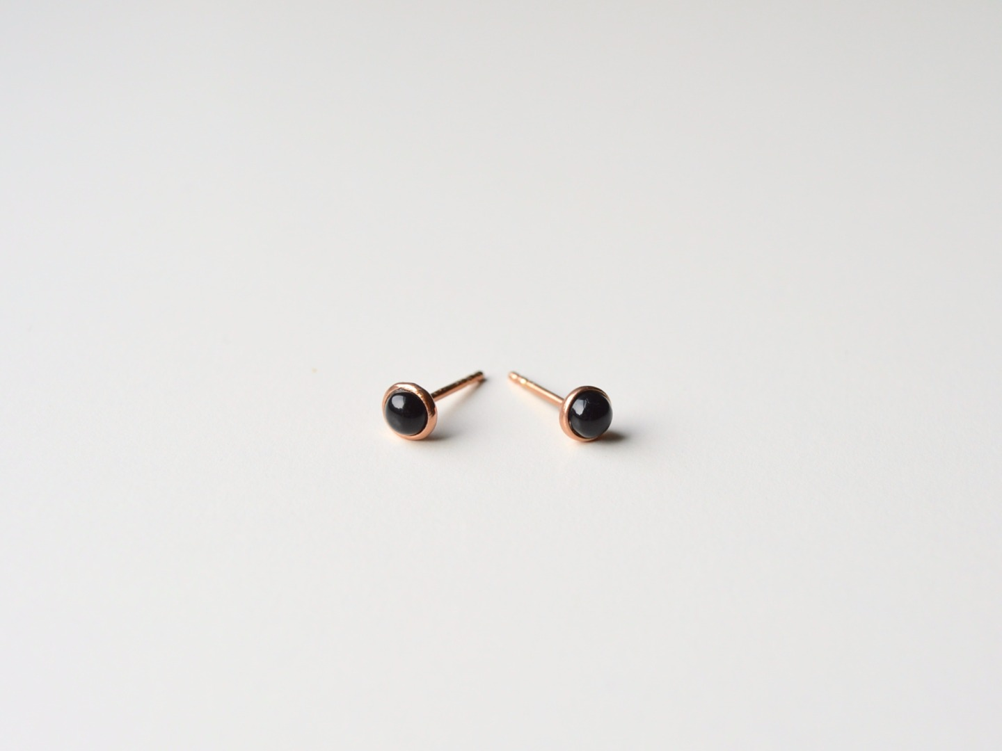 Tiny Collection Black Onyx Ohrstecker vergoldet