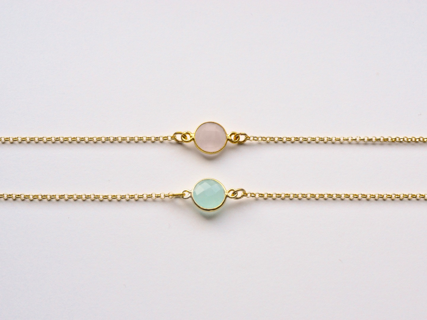 New in Aqua Chalcedon Armband vergoldet