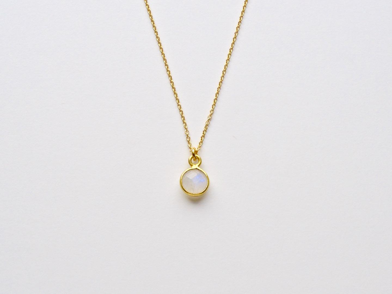 Tiny Gems Mondstein Armband vergoldet