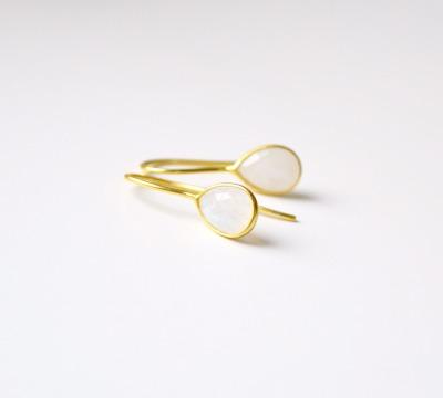 Feminin Zarte Mondstein Ohrringe vergoldet - 925 Sterling Silber