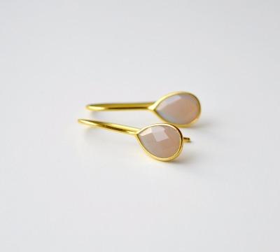 Feminin Grey Chalcedon Ohrringe vergoldet - 925 Sterling Silber
