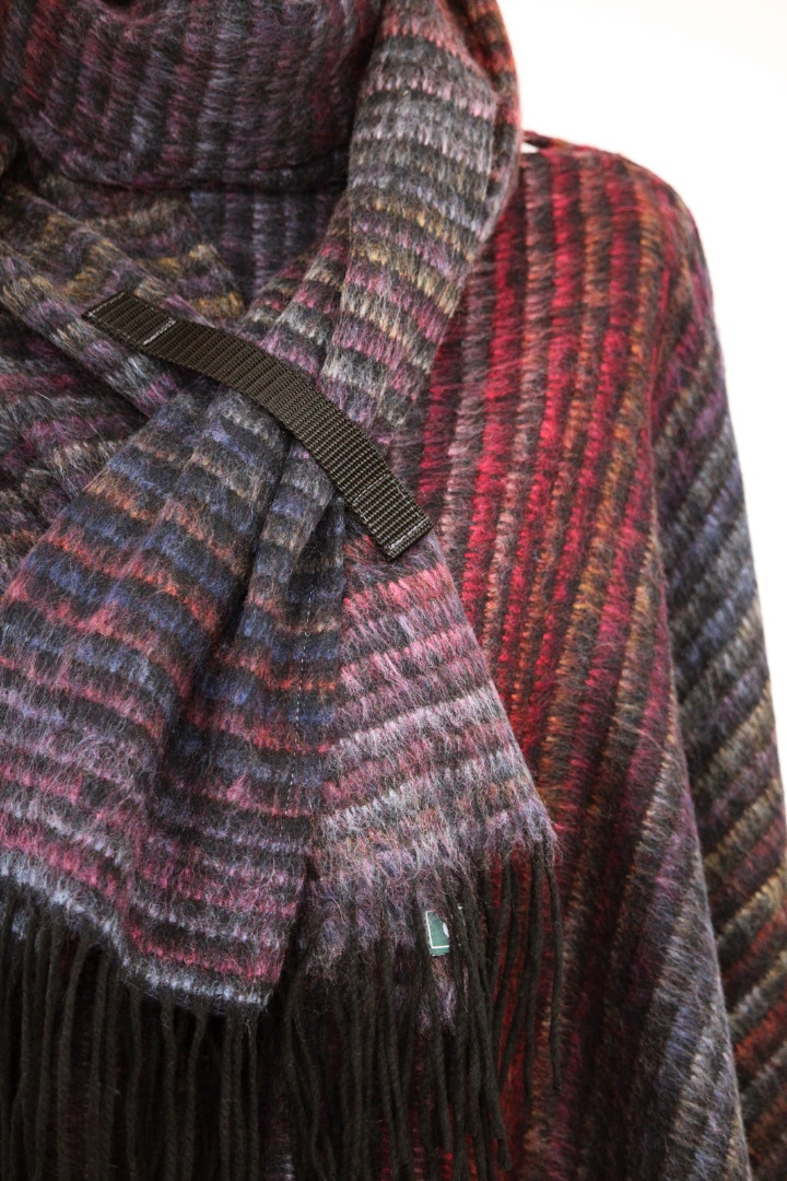 Oversize Poncho mit Schal Multicolored 3