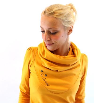 HOODIE Mika-44 - Curry-Gelb schwarz Knöpfe