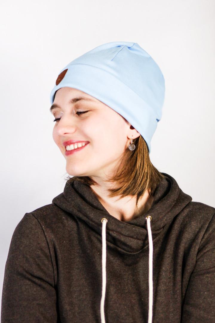 Organic beanie hat Basel light blue