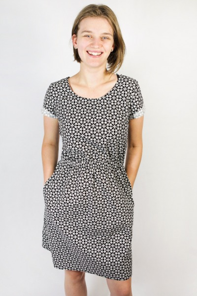 Organic dress Somrig curly black
