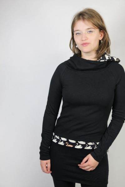 Bio Kapuzenkleid Tjerka schwarz / Schwan