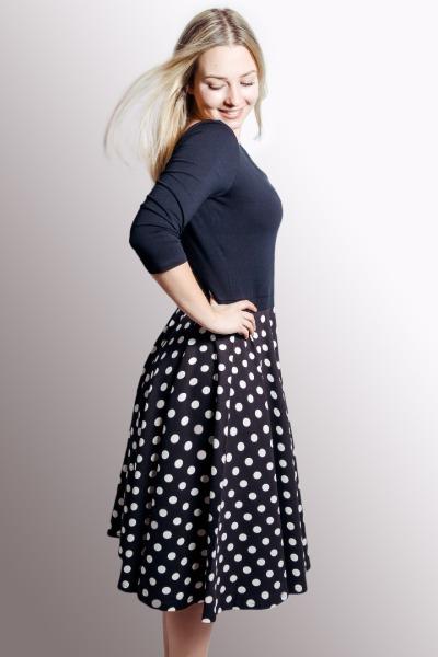 Organic dress Vrida black white dots