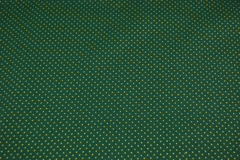 Waldgruene Baumwolle mit goldene Minipunkte 0 5 Meter