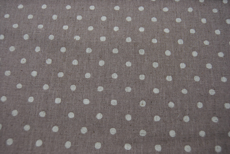Creme Punkte auf Beige - Baumwolle-Leinen 0 5m