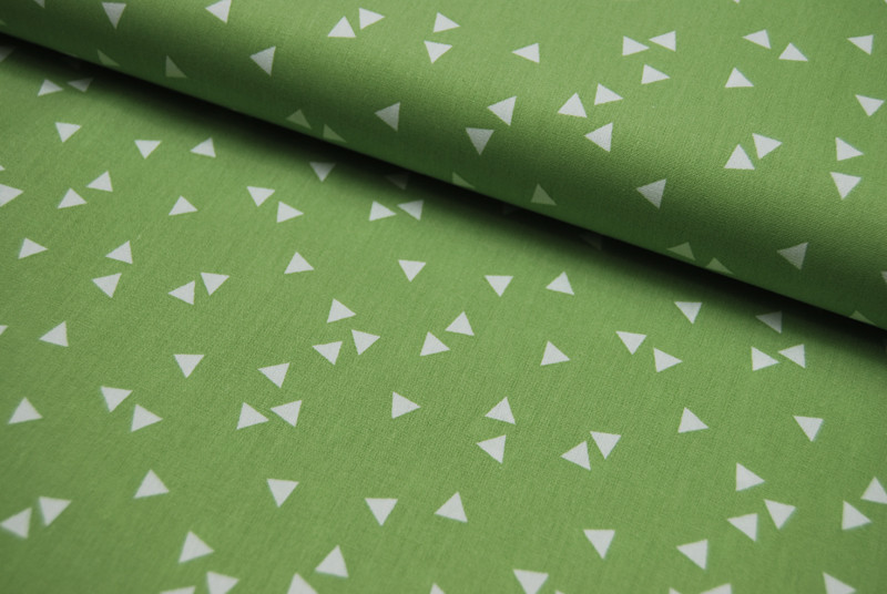 Triangle - Dreiecke auf Gruen - Baumwolle 0 5m