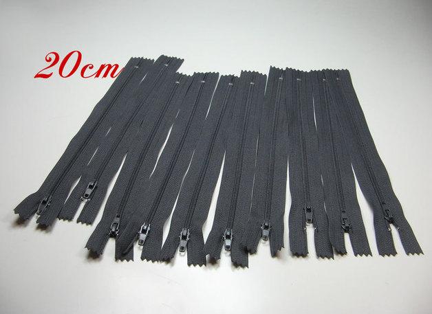 10 x 20cm graue Reißverschlüsse