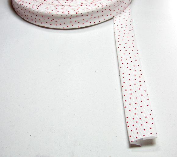 Schrägband: klitzekleine rote Punkte auf weiß